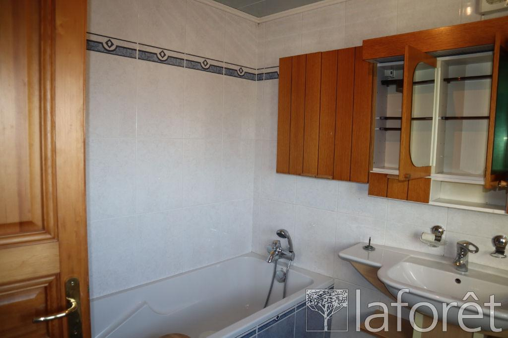 Appartement – Beaucourt  – 5 pièce(s) – 130 m²
