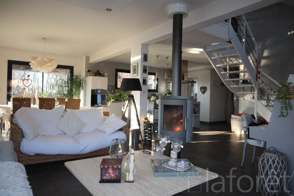 Maison 5 pièce(s) 151 m2 à Evette-Salbert