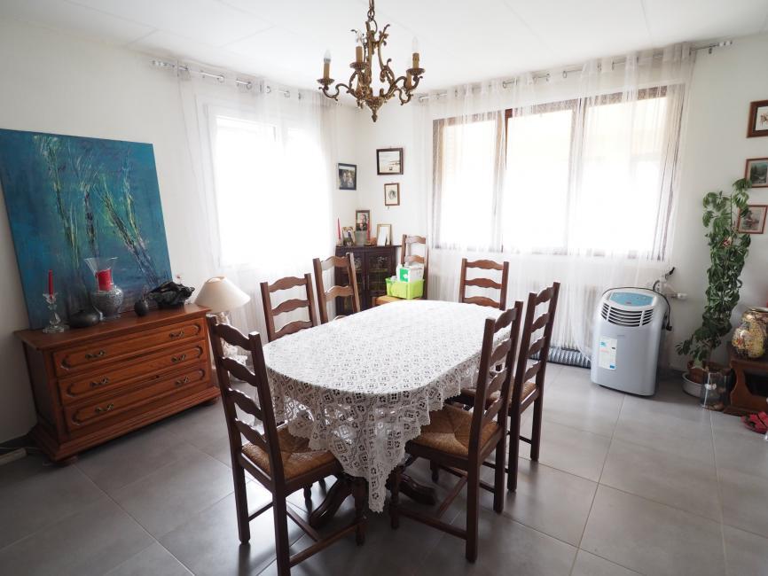 EXCLUSIF SECTEUR ETUEFFONT – Villa de plain-pied sur sous-sol complet