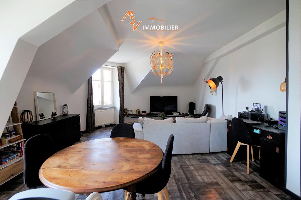 Appartement Belfort 3 pièce(s) 69 m2, garage et extérieur