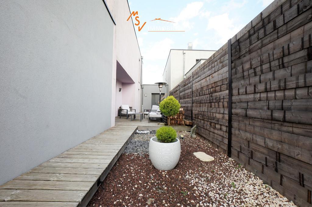 Maison Chavannes Sur L'Etang 7 pièce(s) 150 m2